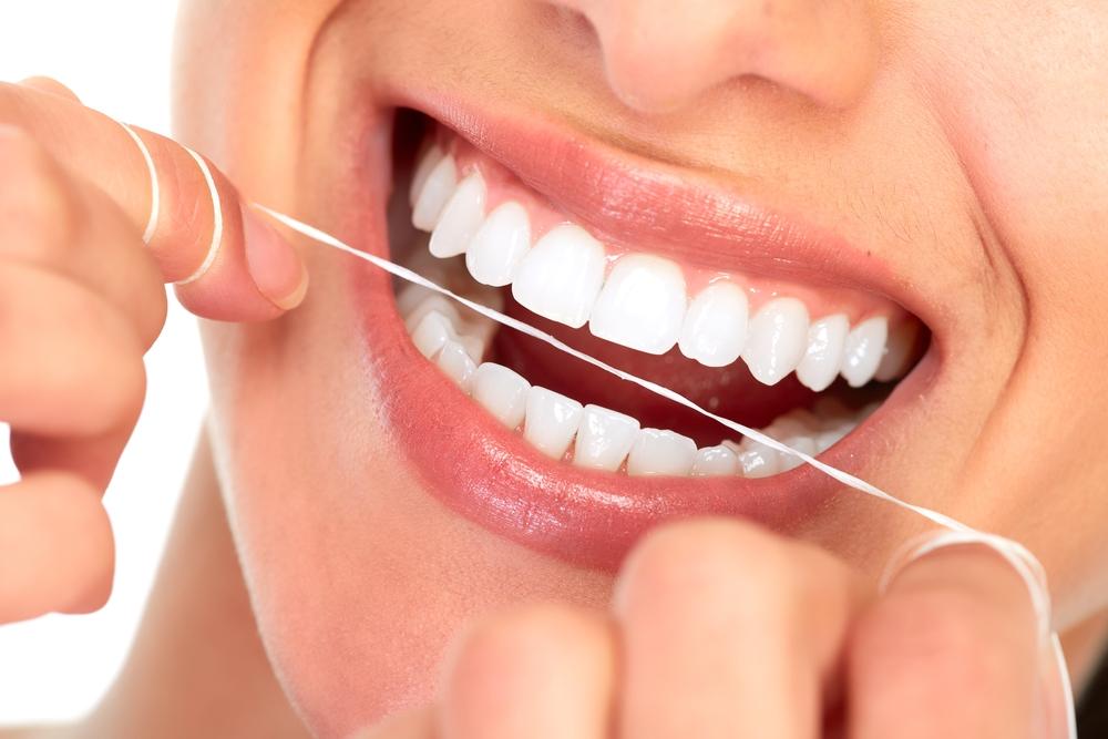 Benefits of Flossing Teeth